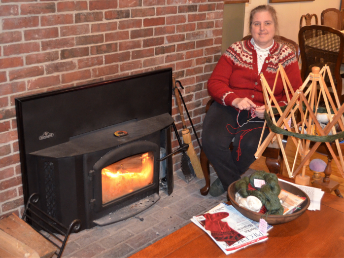 Create Lucy knitting by fire scalled